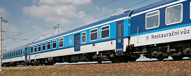 vonattal Prágába
